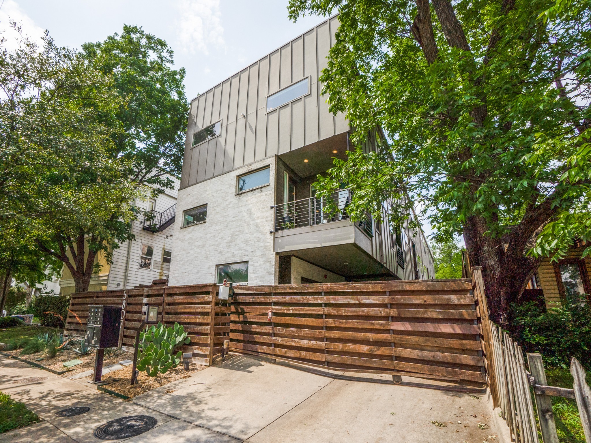 5807 Hudson #1 - Lower Greenville